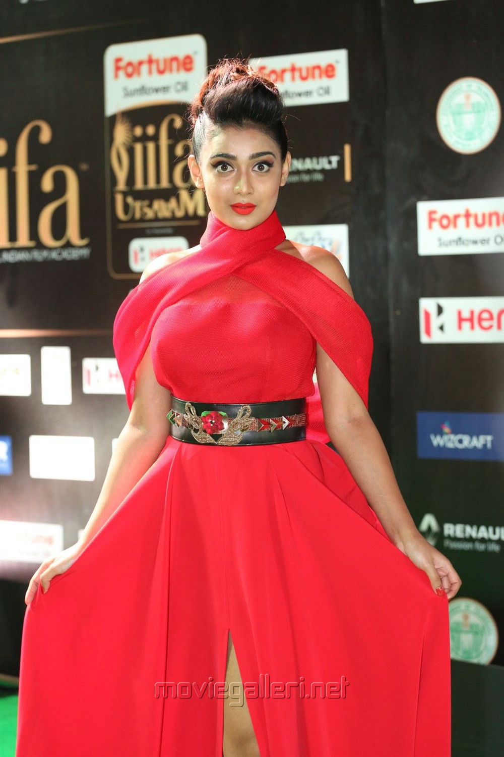 Actress Apoorva @ IIFA Utsavam Awards 2017 Green Carpet Stills
