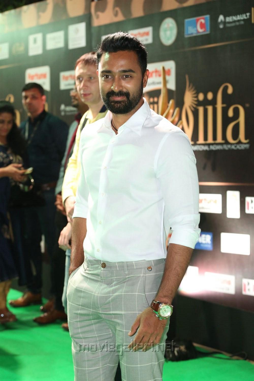 Actor Prasanna @ IIFA Utsavam Awards 2017 Green Carpet Stills
