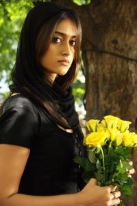 Ileana Cute Pics in Nenu Naa Rakshasi