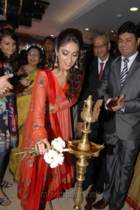 Ileana D'Cruz Inaugurates Forever Jewellery in Hyderabad