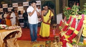 Actor Vadivelu @ Imsai Arasan 24am Pulikesi Movie Pooja Stills