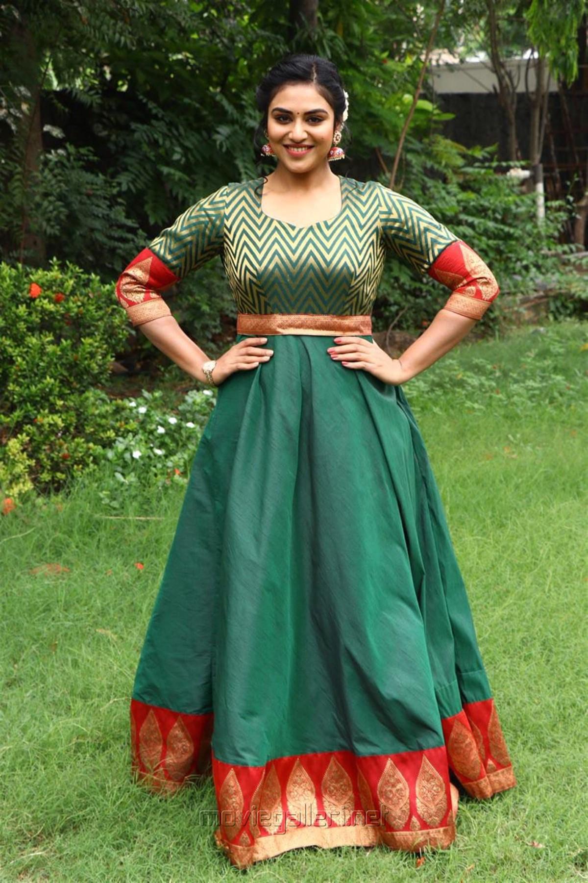Actress Indhuja Ravichandran New Photos @ Magamuni Movie Press Meet