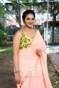 Actress Indhuja Ravichandran Hot Saree Photos HD