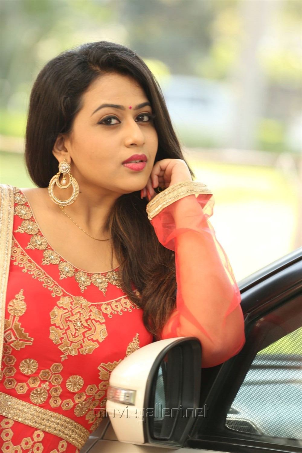 Indrasena Actress Diana Champika Interview Pictures