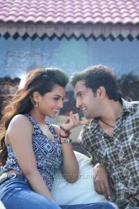 Ashna Zaveri, Santhanam in Inimey Ippadithaan Movie Stills