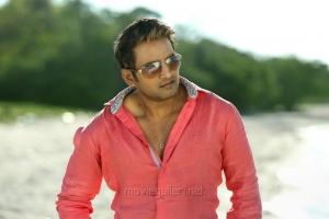 Actor Santhanam in Inimey Ippadithaan Tamil Movie Stills