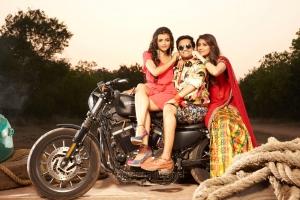 Ashna Zaveri, Santhanam, Akila Kishore in Inimey Ippadithaan Movie Stills