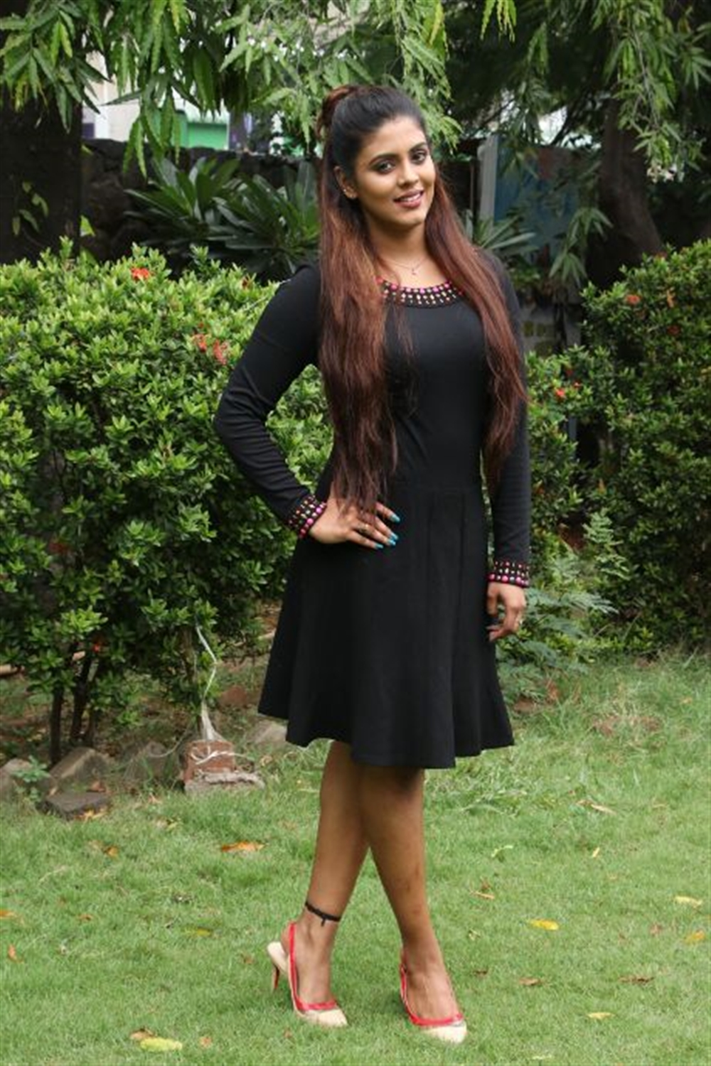 Actress Iniya Black Dress Pics @ Pottu Movie Press Meet
