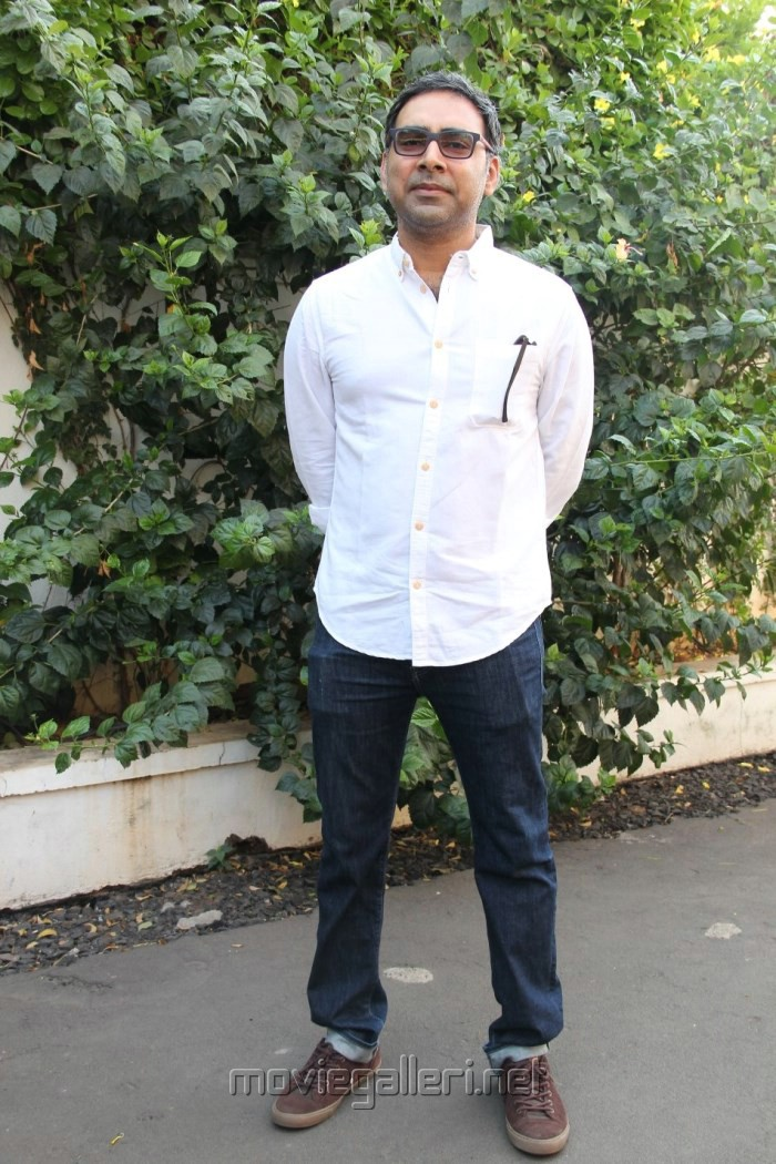 Director K.S.Prakash @ Inji Idupazhagi Movie Pooja Stills