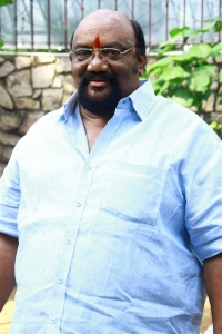 Actor Santhana Bharathi @ Intha Nilai Marum Movie Pooja Stills