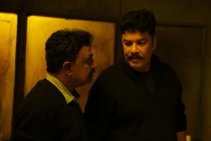 VTV Ganesh, Sundar C in Iruttu Movie HD Images