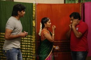 Vinay, Neepa, Sathyan in Iruvar Ullam Tamil Movie Stills