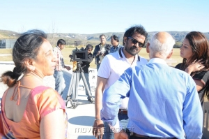 Iruvar Ullam Tamil Movie Working Stills