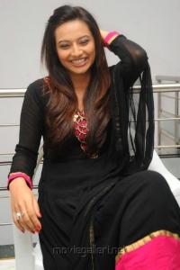 Telugu Actress Isha Chawla Cute Photos