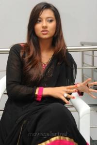 Telugu Actress Isha Chawla New Cute Photos