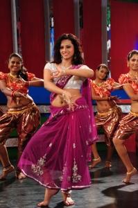 Actress Isha Chawla New Hot Stills in Pink Saree