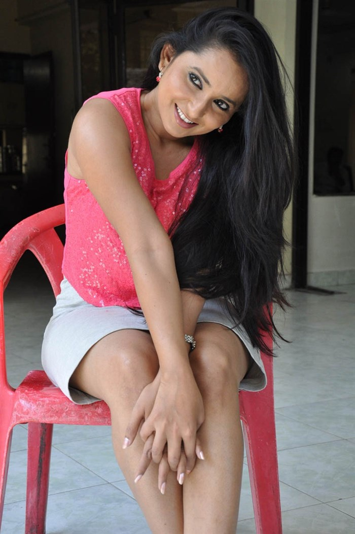 Actress Ishika Singh Hot Photos In Pink Top & Light Grey Skirt