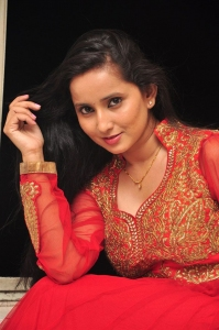 Actress Ishika Singh Pics @ Kobbari Matta Movie Launch