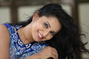Telugu Actress Ishika Singh Latest Wallpapers
