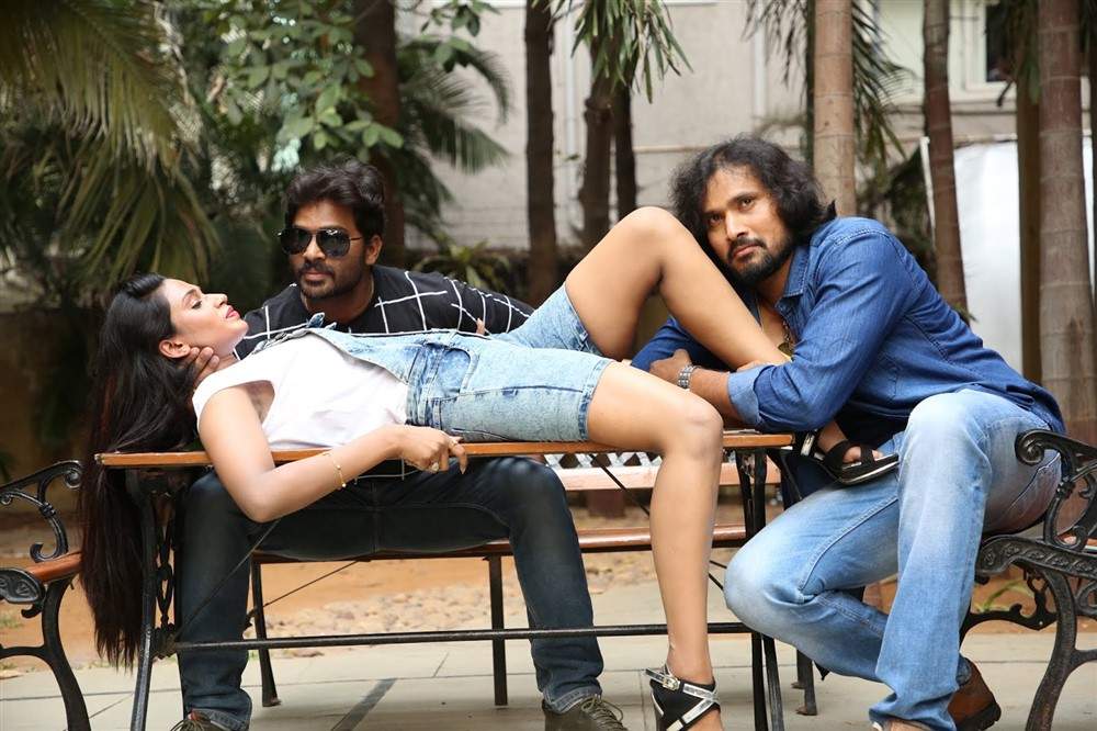 Ravichandra, Yuga Yugesh, Sai Srivi in Ishq is Risk Movie Stills