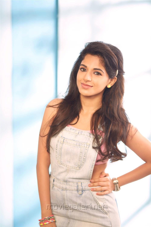 Tamil Actress Iswarya Menon New Portfolio Pictures