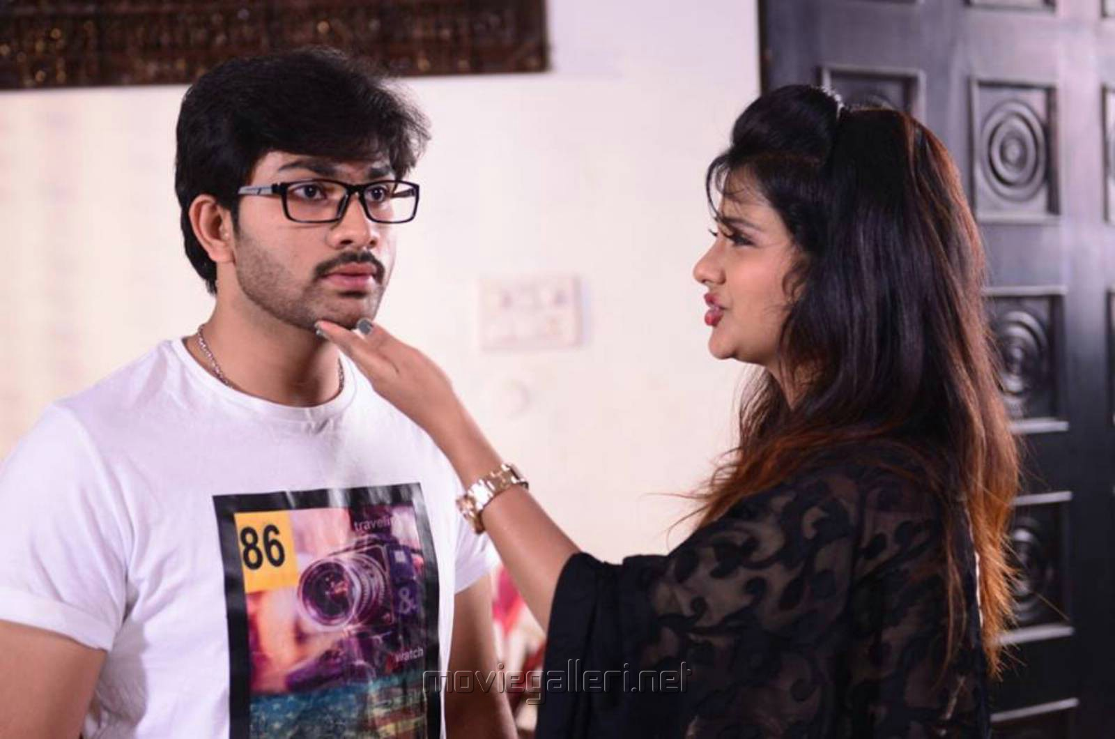 Sree Karthikeya, Shubhangi Pant in Itlu Anjali Movie Photos