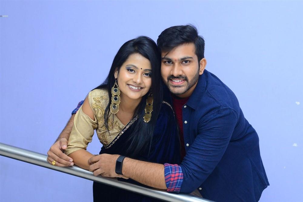 Shubangi Pant, Sree Karthikeya @ Itlu Anjali Movie Trailer Launch Stills