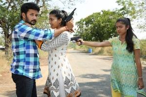 Vishnu, Ishara, Varsha in Ivan Yaar Endru Therigiratha Movie Stills