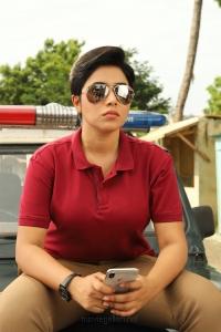 Actress Poorna in Ivanukku Engeyo Macham Irukku Movie Images HD