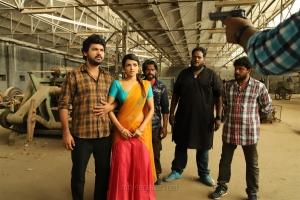 Vimal, Ashna Zaveri in Ivanukku Engeyo Macham Irukku Movie Images HD