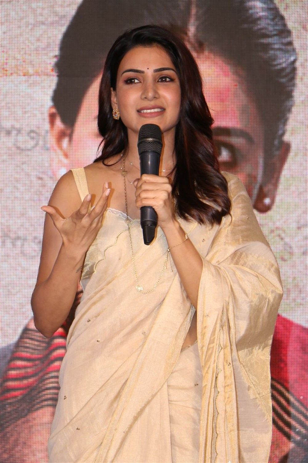 Actress Samantha Akkineni @ Jaanu Movie Trailer Launch Stills