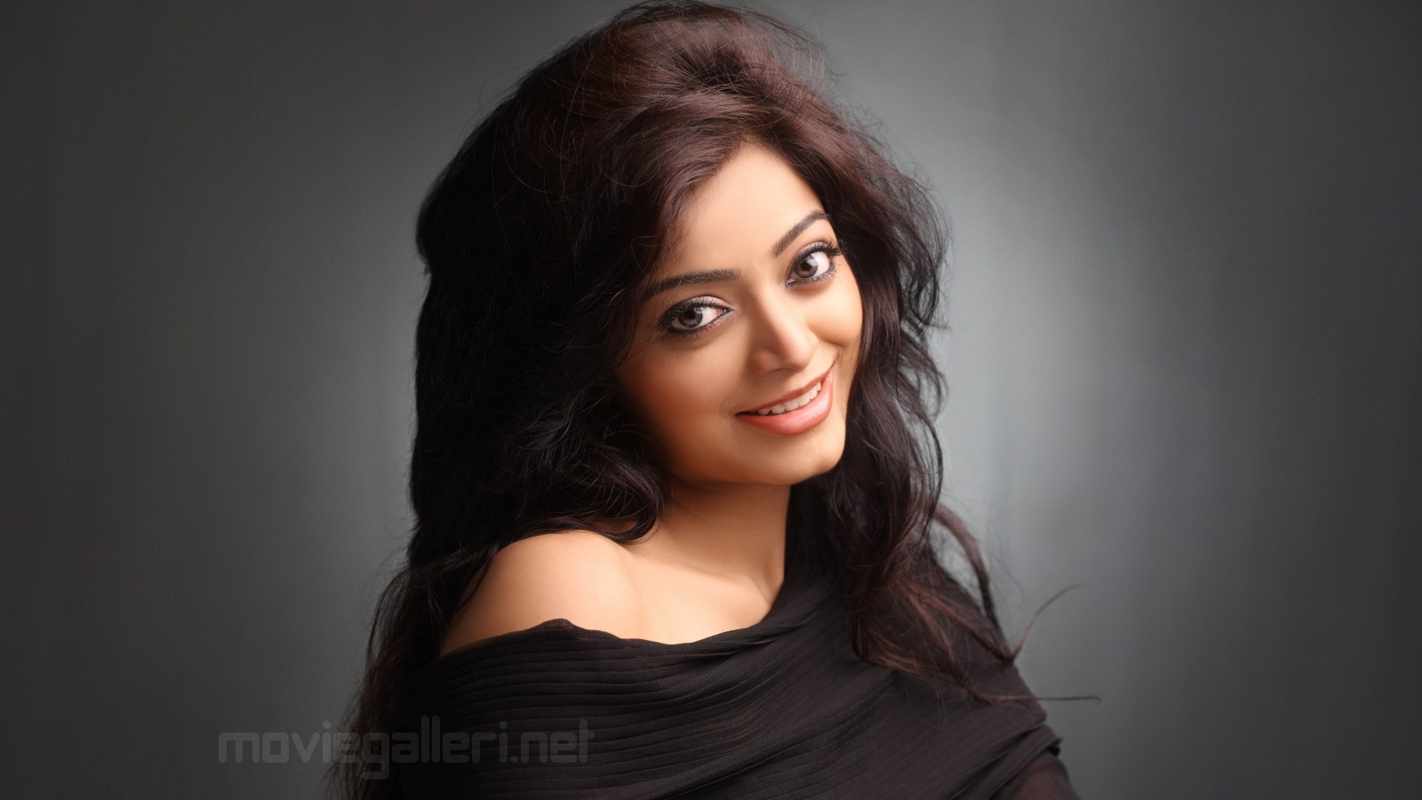 1366x768 Hd Tamil Actress Wallpapers Hazrat Musa Movie In Hindi