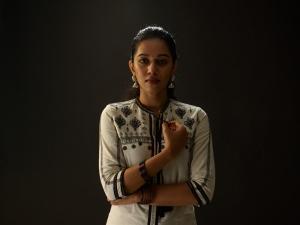 Actress Mirnalini Ravi in Jango Movie Images