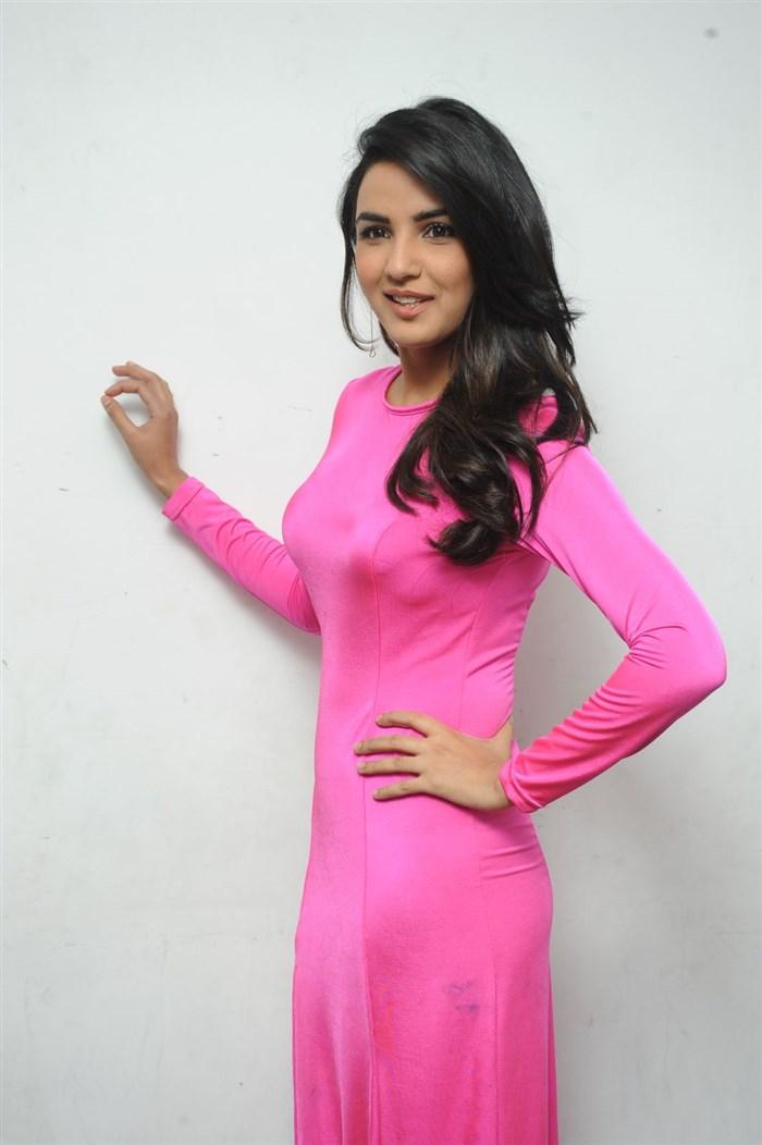 Actress Jasmin Bhasin Hot in Pink Dress Pictures
