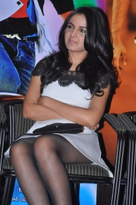 Jasmin Bhasin Hot Pics @ Veta Platinum Disc Function