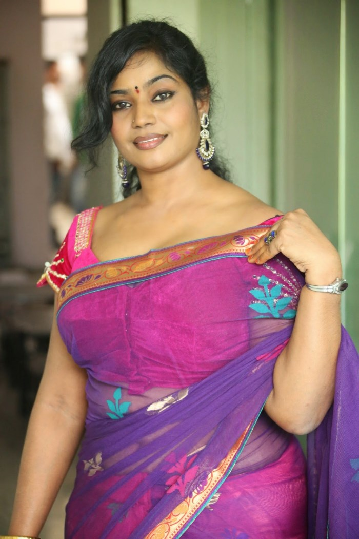 Telugu Cinema Supporting Actress Jayavani Hot Saree Stills [ Gallery ...