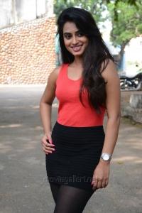 Actress Dimple Chopade @ Jeyikkira Kudhira Movie Launch Stills