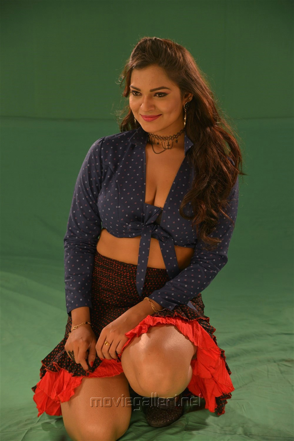 Actress Ashwini Hot in Jeyikkira Kuthira Movie Stills