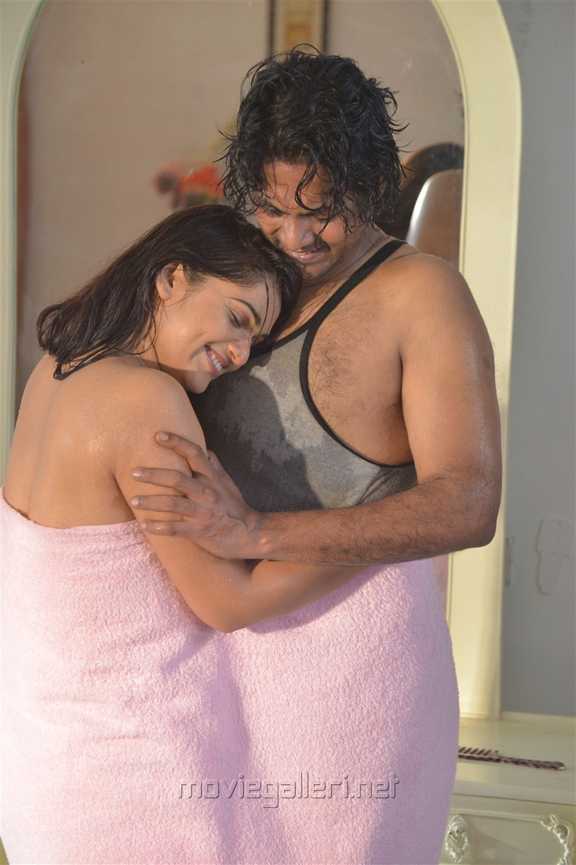 Hot Ashwini, Jeevan in Jeyikkira Kuthira Movie Stills