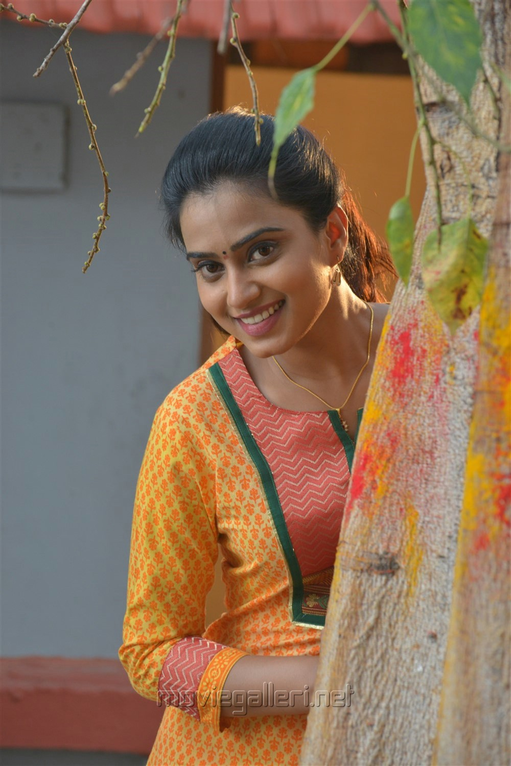 Actress Dimple Chopade in Jeyikkira Kuthira Movie Stills