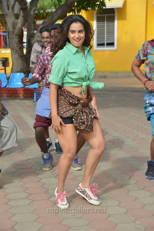 Actress Dimple Chopade Hot in Jeyikkira Kuthira Movie Stills
