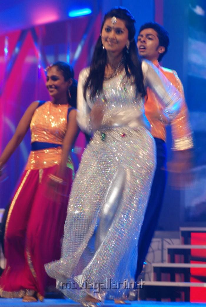 Sneha Dance at JF Women Achievers Awards 2012 Stills