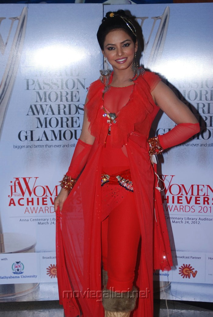 Neetu Chandra at JF Women Achievers Awards 2012 Stills