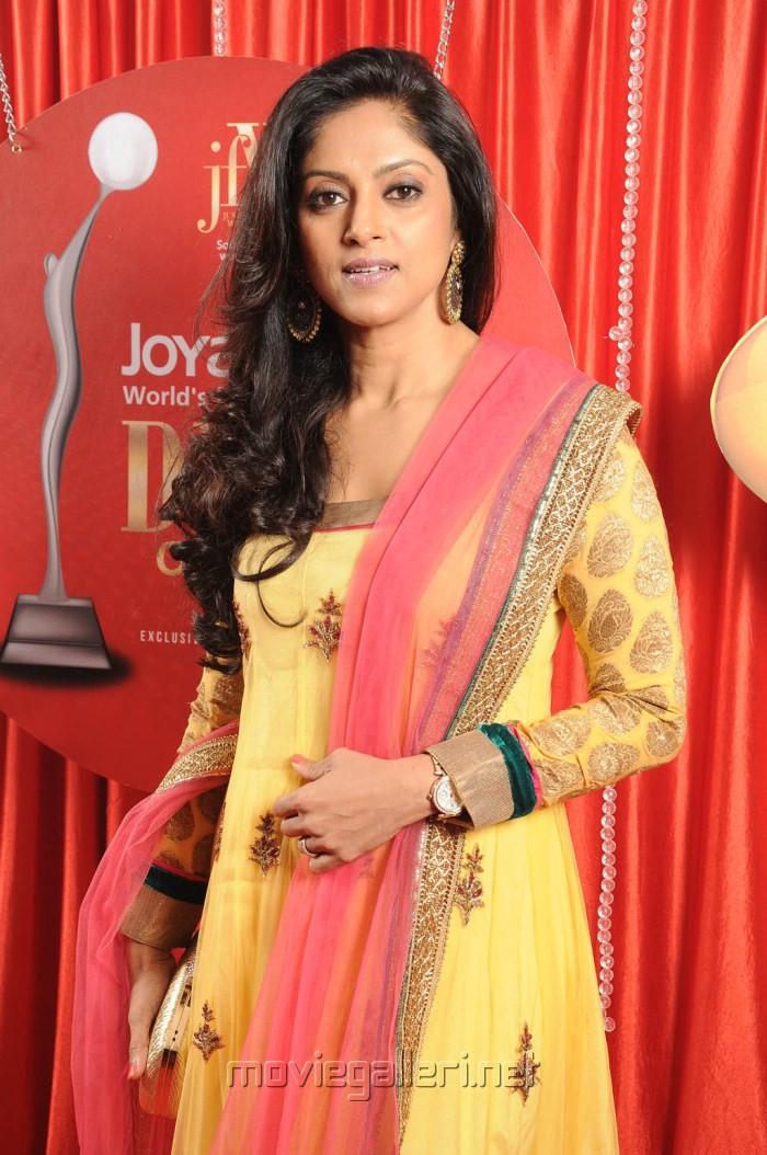 picture 325236 actress nadhiya at jfw divas of south