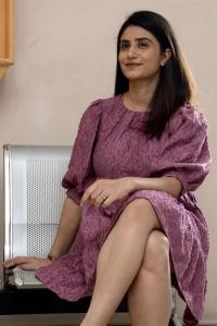 Kshana Kshanam Heroine Jia Sharma Pictures