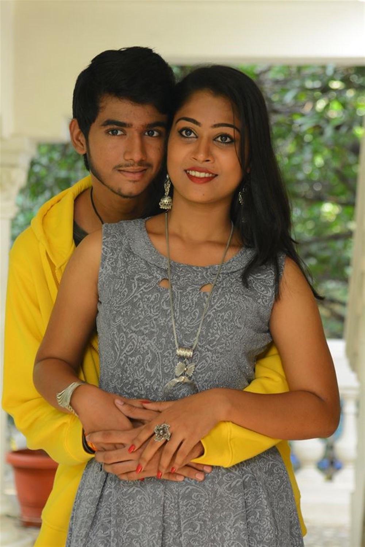 Anvesh, Sarika @ Jigel Raja Movie Opening Stills