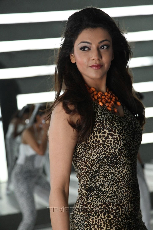 Jilla - Tamil Movie Reviews Rating, Cast, Story, Videos