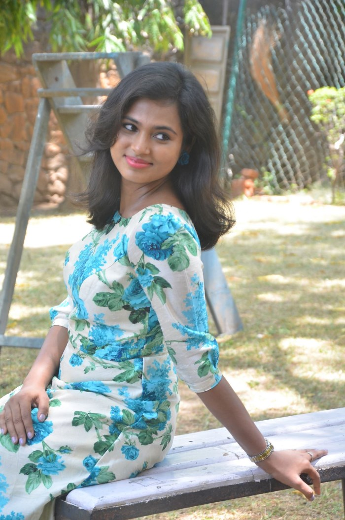 Actress Ramya Pandian @ Joker Movie Press Meet Stills
