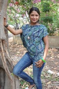 Tamil Actress Jothisha Stills Pictures Photos