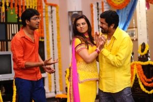 Allari Naresh,  Isha Chawla, Posani Krishna Murali in Jump Jilani Movie Stills